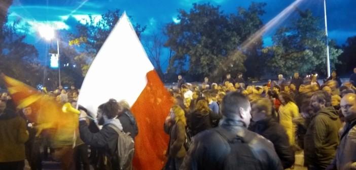 [Фото] Боја доби и Судската палата – четврта недела Шарена револуција