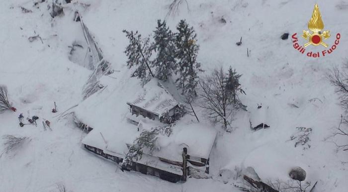 Многу жртви и исчезнати во лавина во Италија