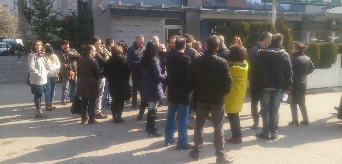 Исклучените синдикати од ССМ даваат поддршка на штрајковите на новинарите од  МПМ  и работниците од  Железници