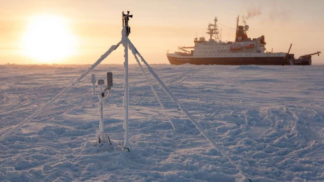 Брод за истражување ќе биде намерно замрзнат во арктичкиот мраз за да лебди низ Северниот пол