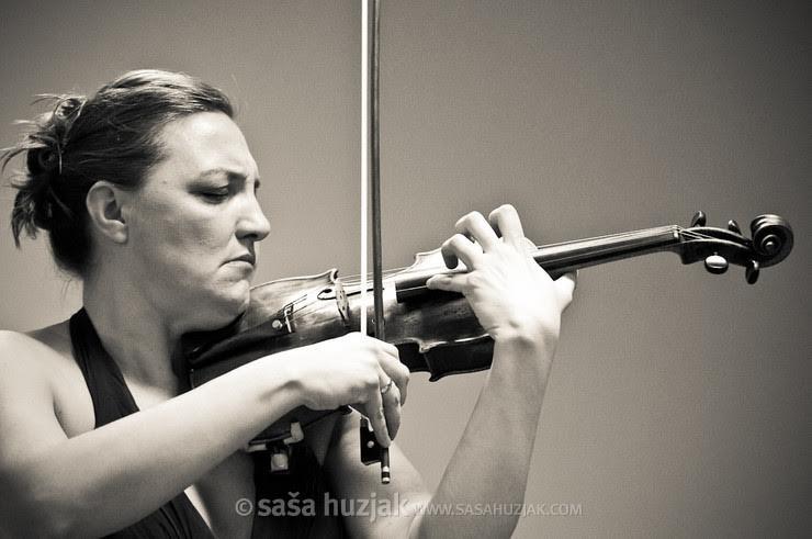 Виолински бравури   концерт на Македонската филхармонија со Сихана Бадивуку