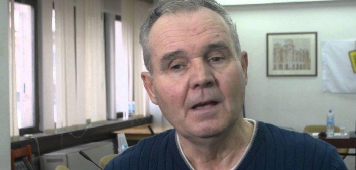 """Наставник тврди дека е отпуштен бидејќи е активист на """"Шарените"""", директорот се правда со малиот број на часови"""