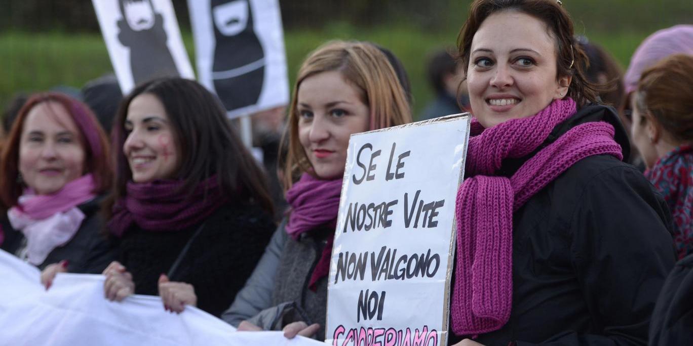 Италија размислува да воведе платен одмор за жените за менструални болки