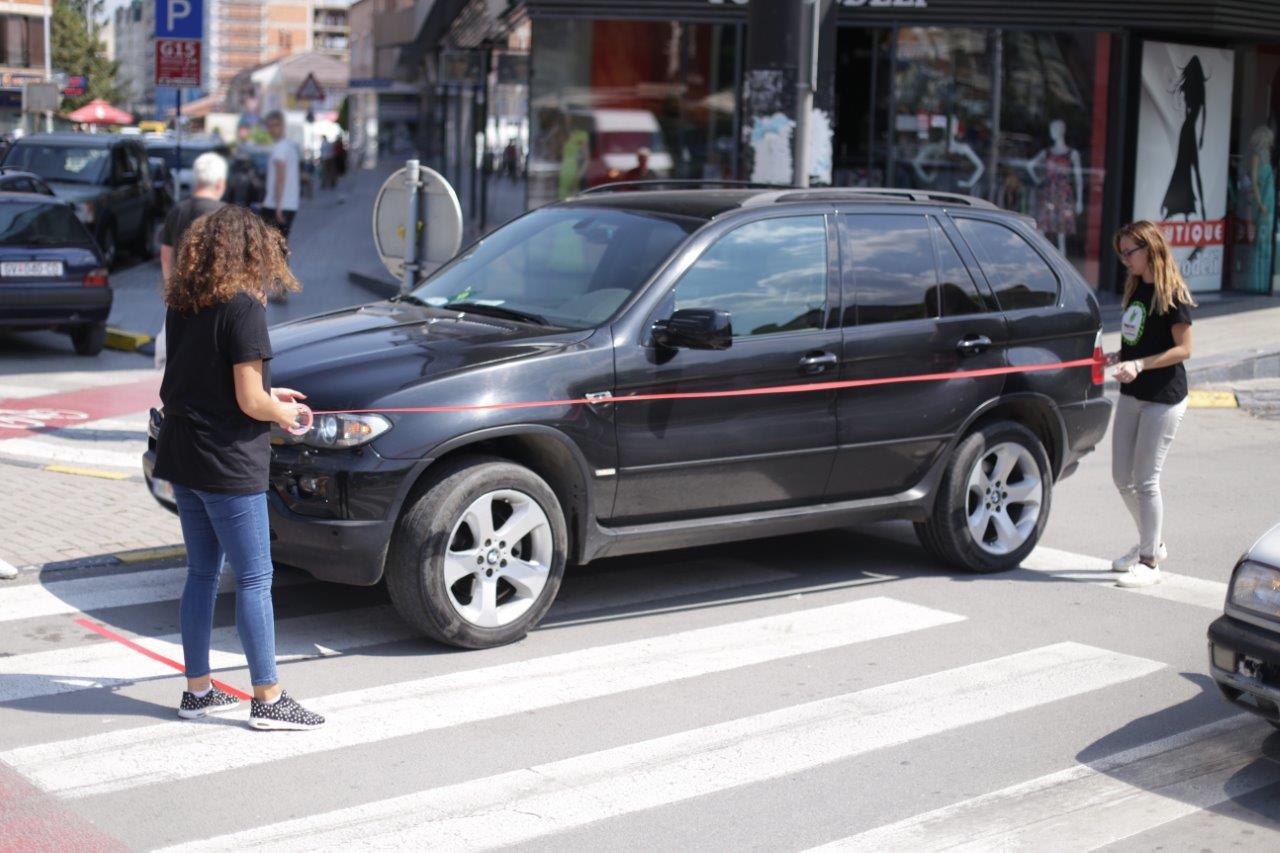 mrdni-so-prst-i-parkiraj-go-pravilno-svojot-avtomobil