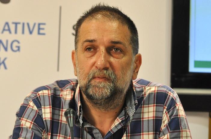 Главниот уредник на  Новине  Врањске  започна штрајк со глад поради затворање на медиумот