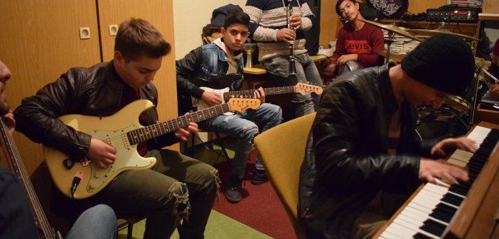 [Видео] Roma Rock School – новиот звук на рок музиката