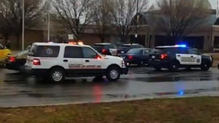 Нов вооружен инцидент во американско училиште  медиумите јавуваат за три повредени лица